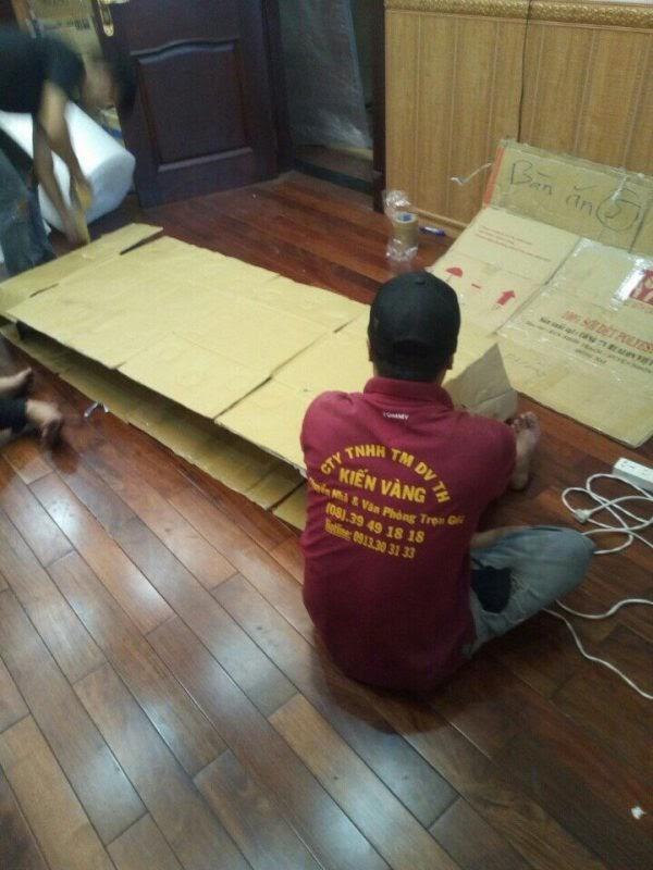 Đội ngũ nhân viên dọn nhà quận 2 của Kiến Vàng có sự tỉ mỉ trong công việc