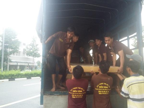 Dịch vụ chuyển nhà trọn gói quận 4 được thực hiện nhanh chóng