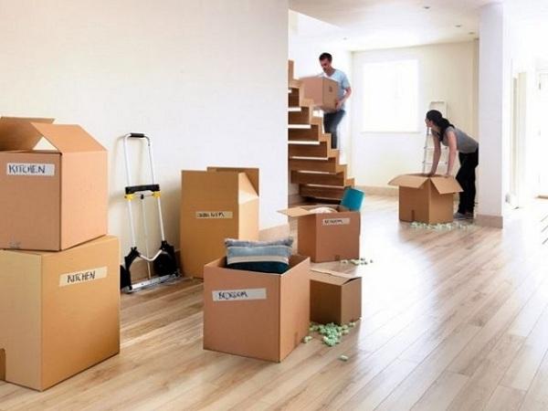 Tiến hành đóng gói cẩn thận khi chuyển nhà