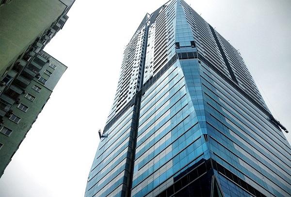 Muốn vận chuyển văn phòng lên các tòa nhà cao tầng một cách nhanh chóng, bạn phải cần một đội ngũ chuyên nghiệp