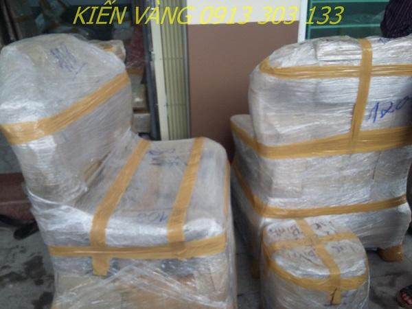 Cần đóng gói nhiều lớp, dán kĩ cho đồ trong quá trình vận chuyển nhà vào mùa mưa