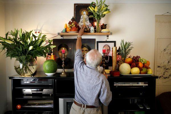Gia chủ cần lưu ý một số điểm quan trọng trong thủ tục chuyển bàn thờ về nhà mới