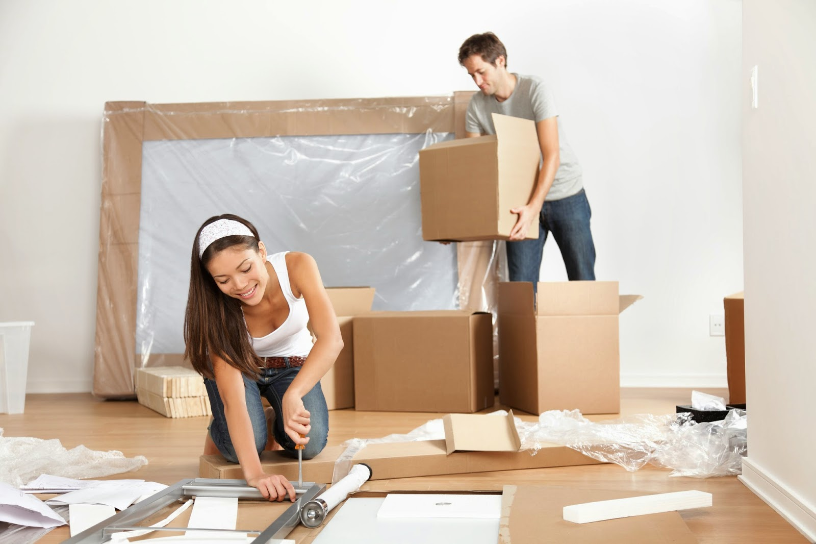 Sau khi thực hiện nghi lễ nhập trạch bạn có thể bắt đầu vận chuyển đồ đạc vào nhà mới